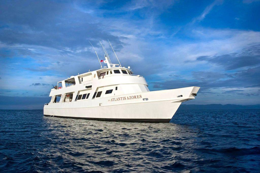 Atlantis azores dive and cruise for Vol interieur philippines